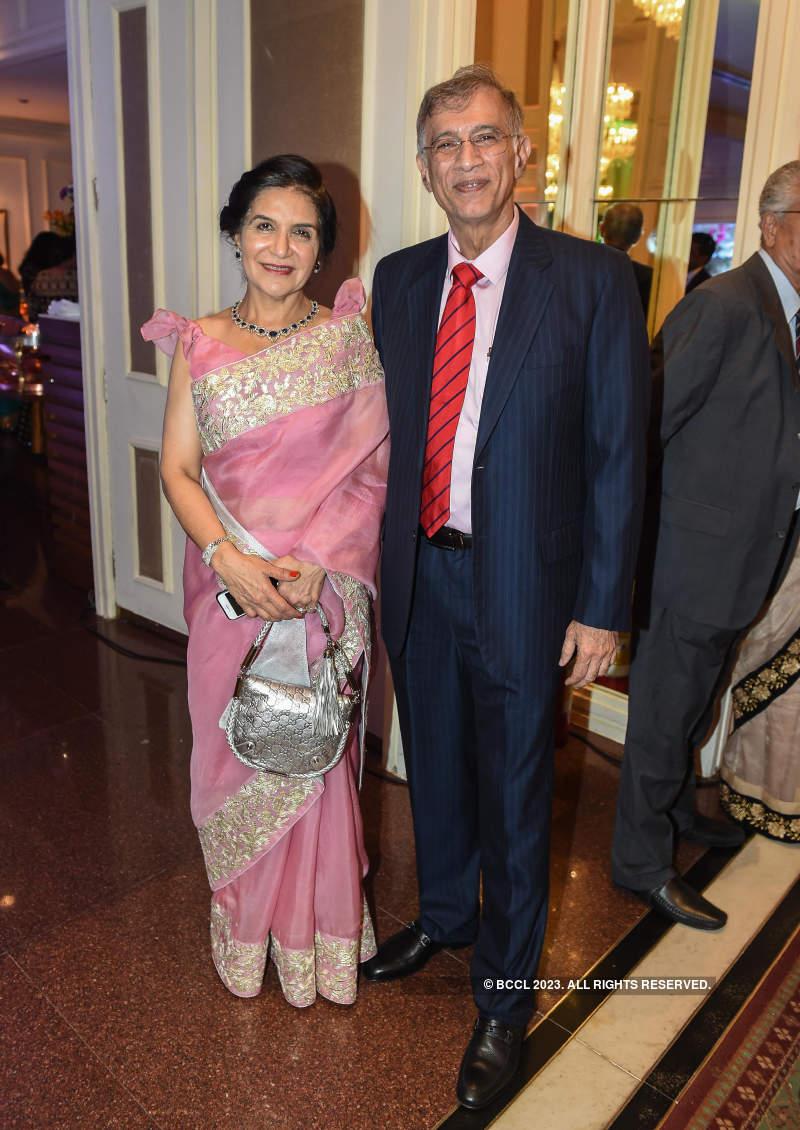 Celebs grace the wedding reception of Pankaj Udhas's daughter