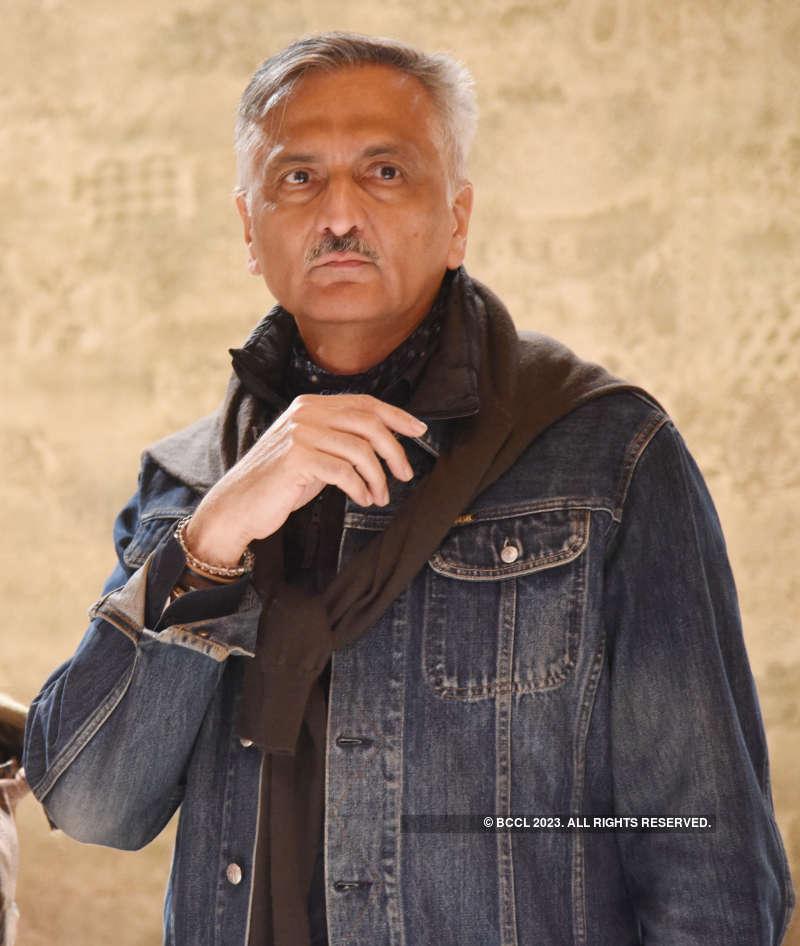Fashion fraternity raises a toast to Indian textiles