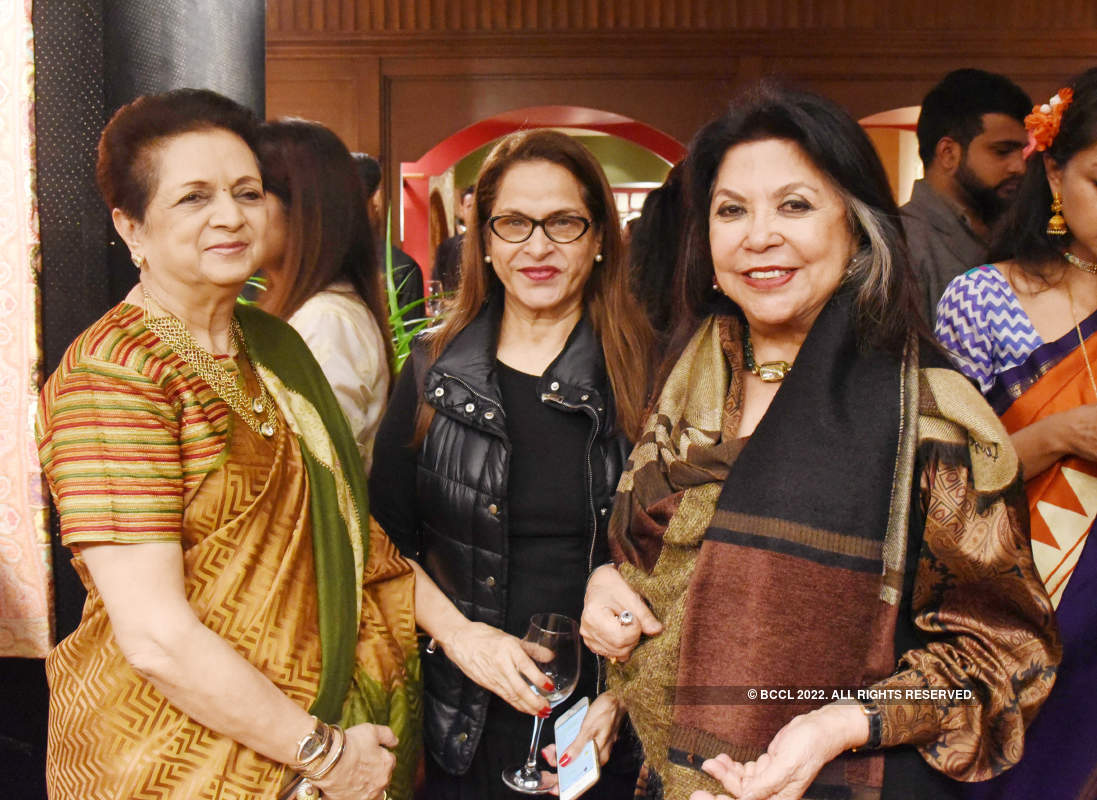 Fashion fraternity raises a toast to Indian textiles