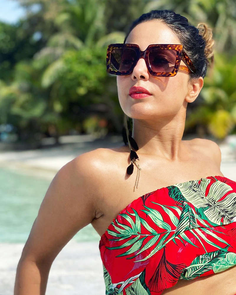 Bikini-clad Hina Khan is raising temperatures with her beach vacation pictures
