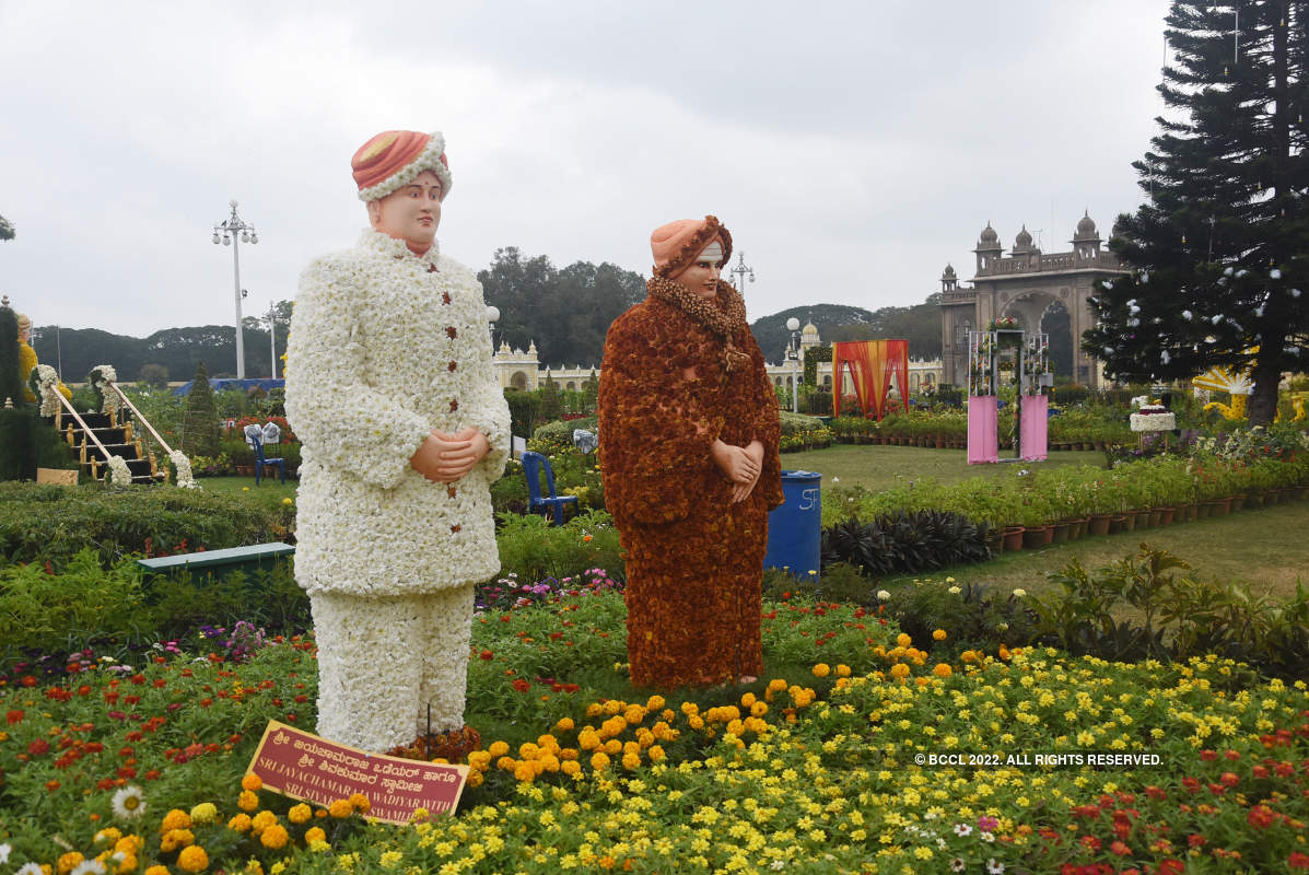 When Mysore Palace was decked up with flowers