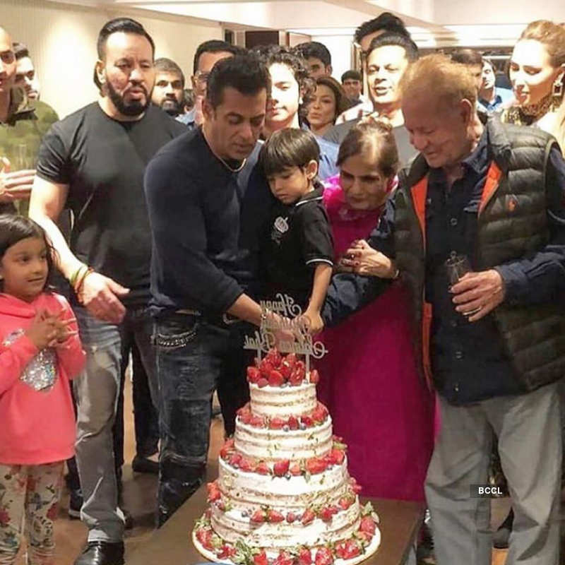 Salman Khan cuts his birthday cake with little Ahil, see inside pictures