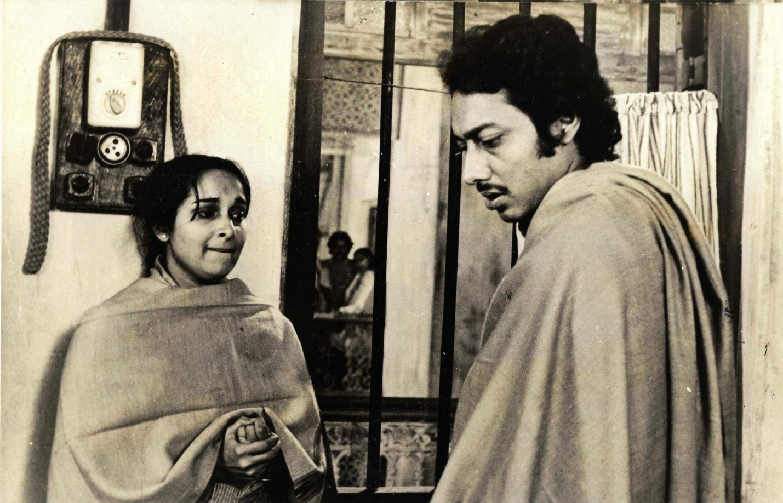Mamata Shankar and Anjan Dutt in 'Kharij'
