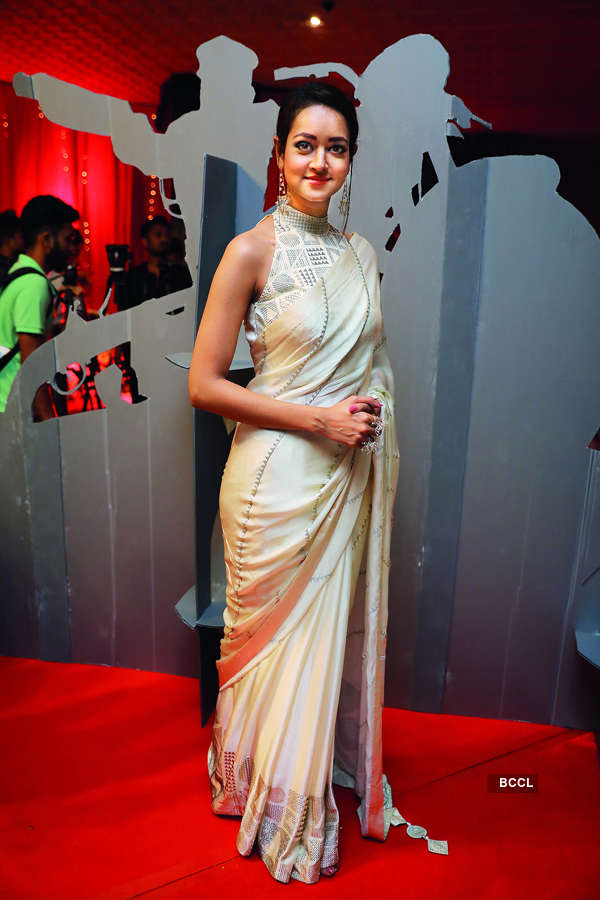 Take a peek into Avane Srimannarayana's star-studded premiere in Bengaluru