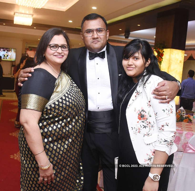 Dr Harish Chandra and Savita Vaish's 50th wedding anniversary celebrations