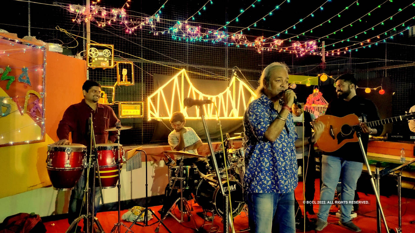 Artistes pay tribute to iconic Bangla bands