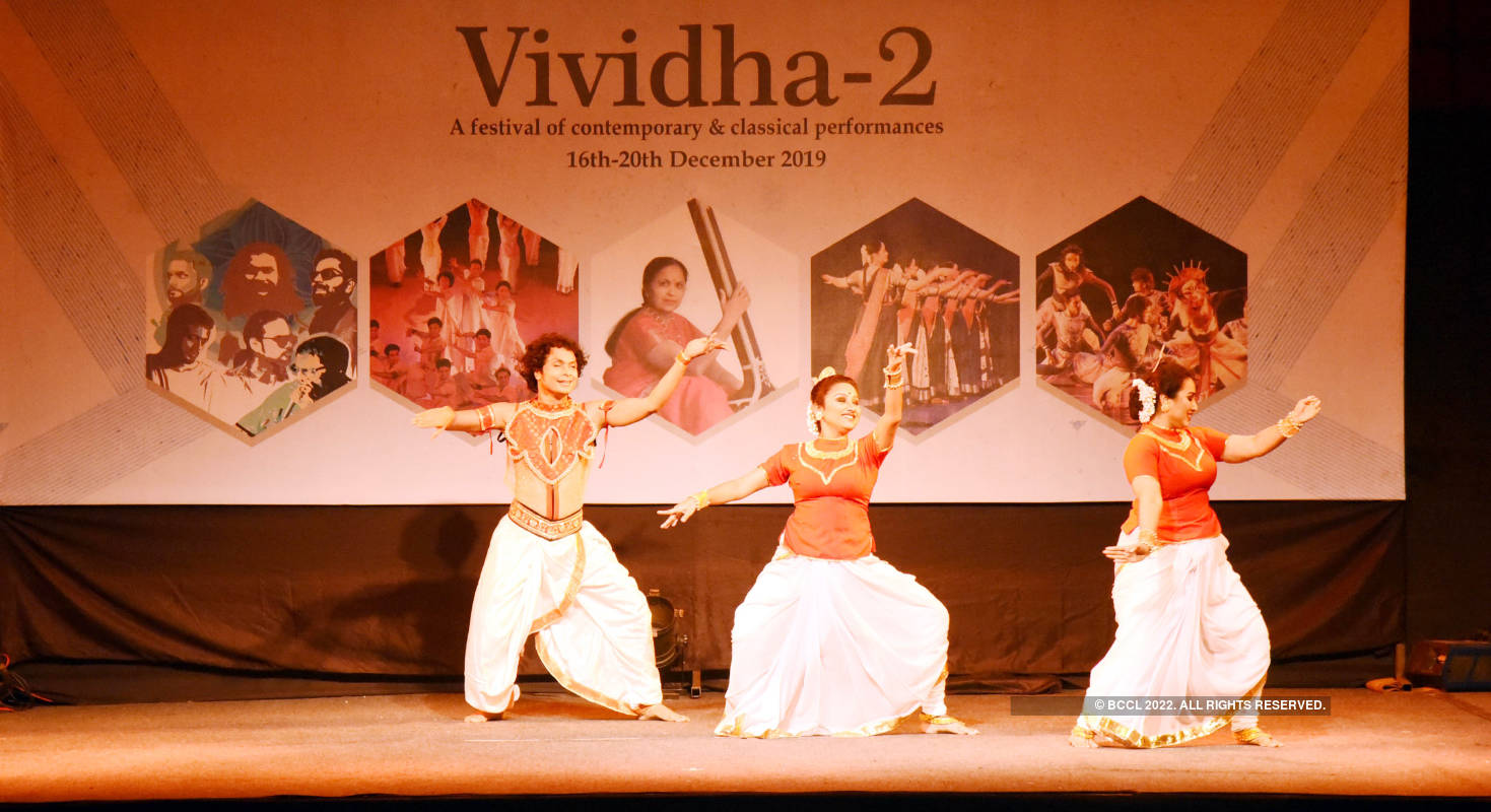 Artistes mesmerise the audience at Vividha Festival