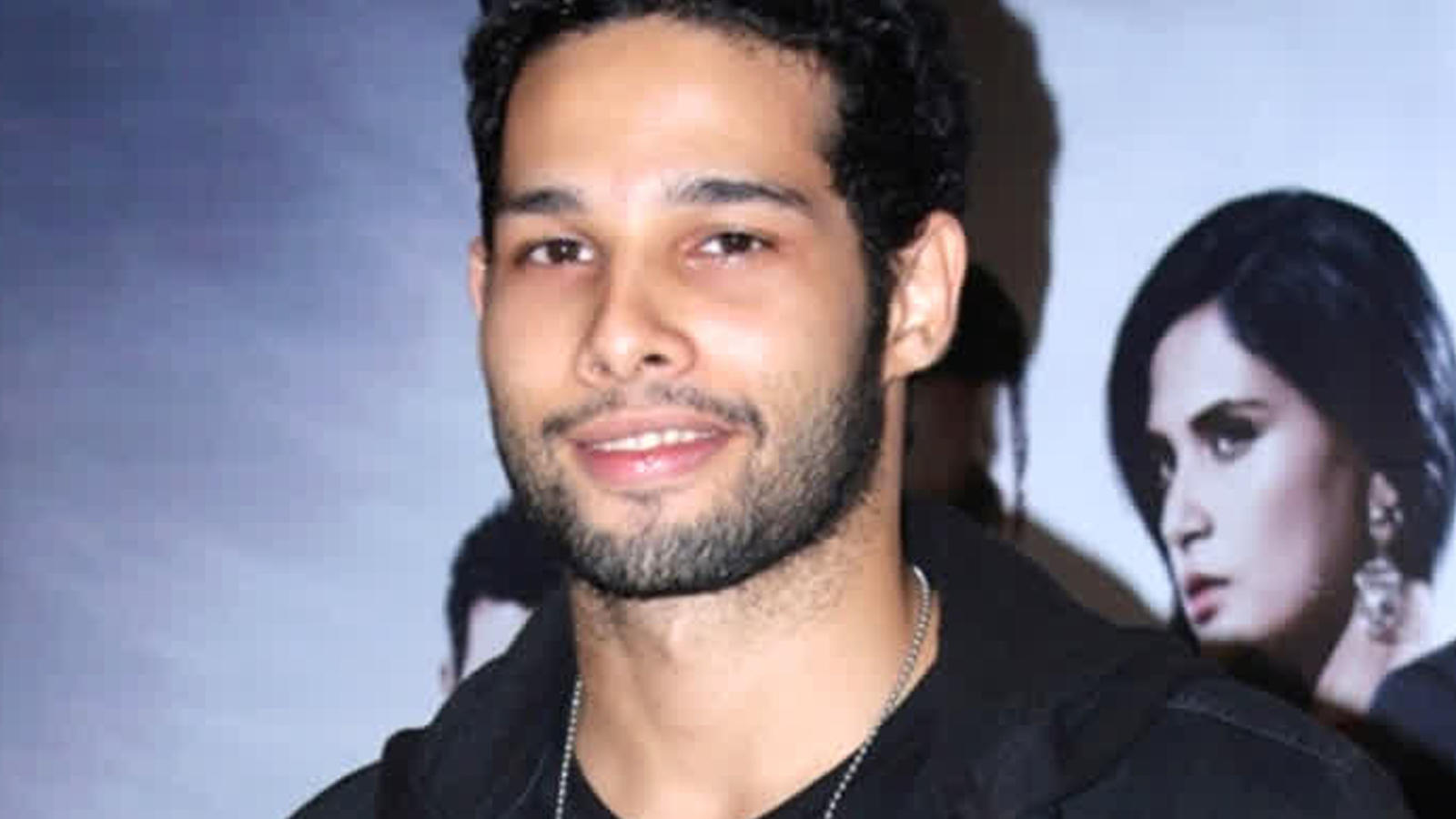 Siddhant Chaturvedi's savage reply to Ananya Panday's nepotism comment sparks memes on internet