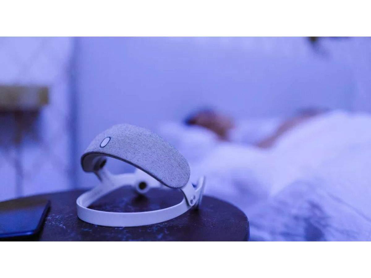 Urgonight: A headband to treat insomnia