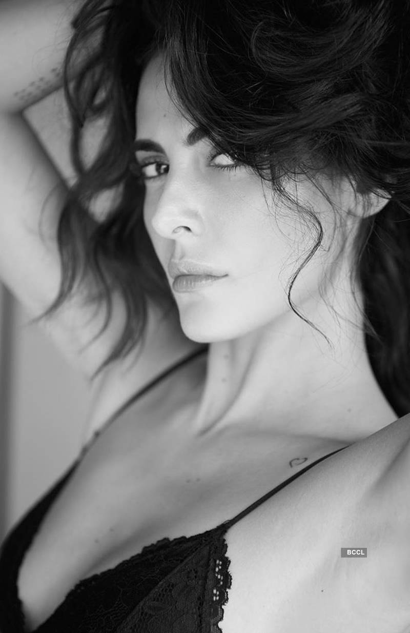 Mandana Karimi is turning up the heat with her bewitching pictures