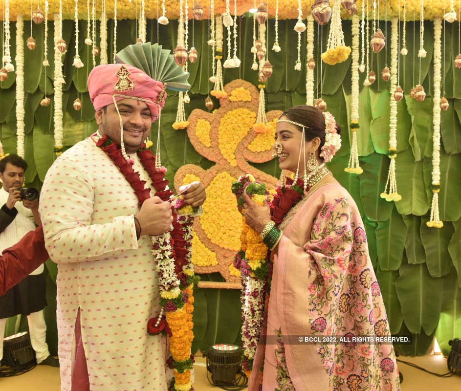 Nehha Pendse and Shardul Bayas get married amidst family and friends