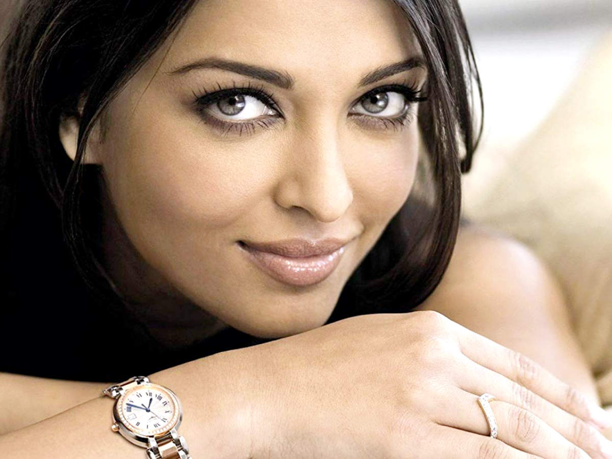 Favourite Jewels of Bollywood Celebs - Times of India