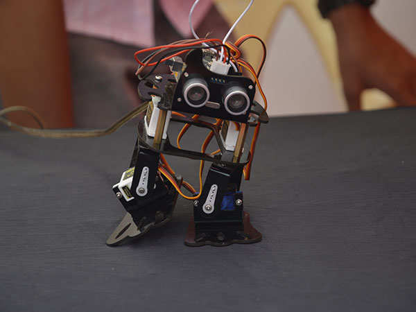 Dancing-and-walking-robot-showcased-at-Maker-Mela-which-was-organised-by-Somaiya-Riidl