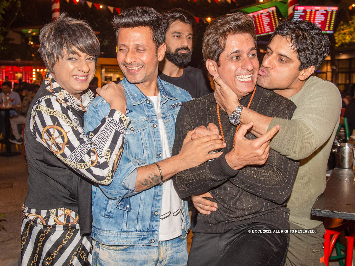 Kishwer Merchantt, Shakti Anand, Dimple Jhangiani and others attend Amit Sarin's reunion party