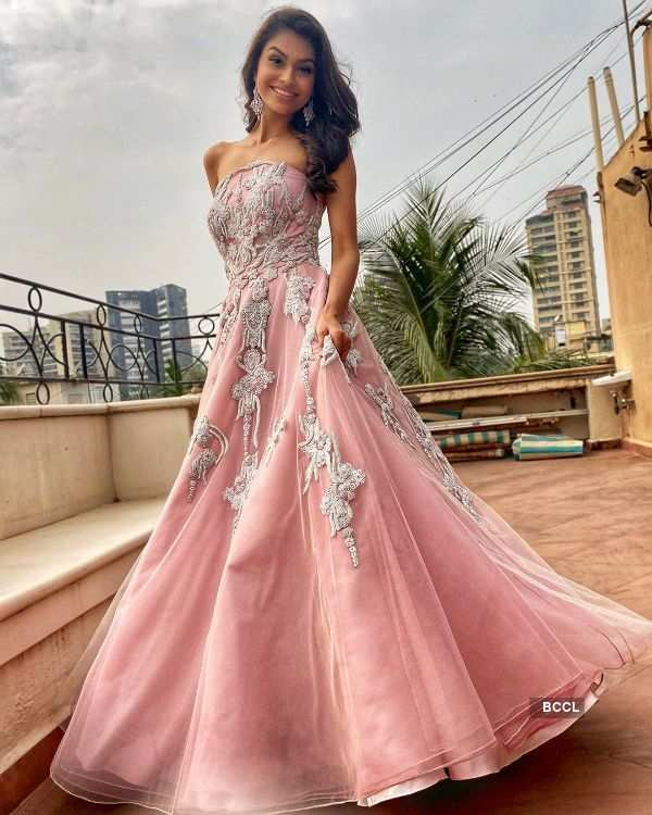 Suman Rao dazzles in pink