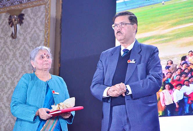 Reeta Khanna with LJ Fuller (BCCL)