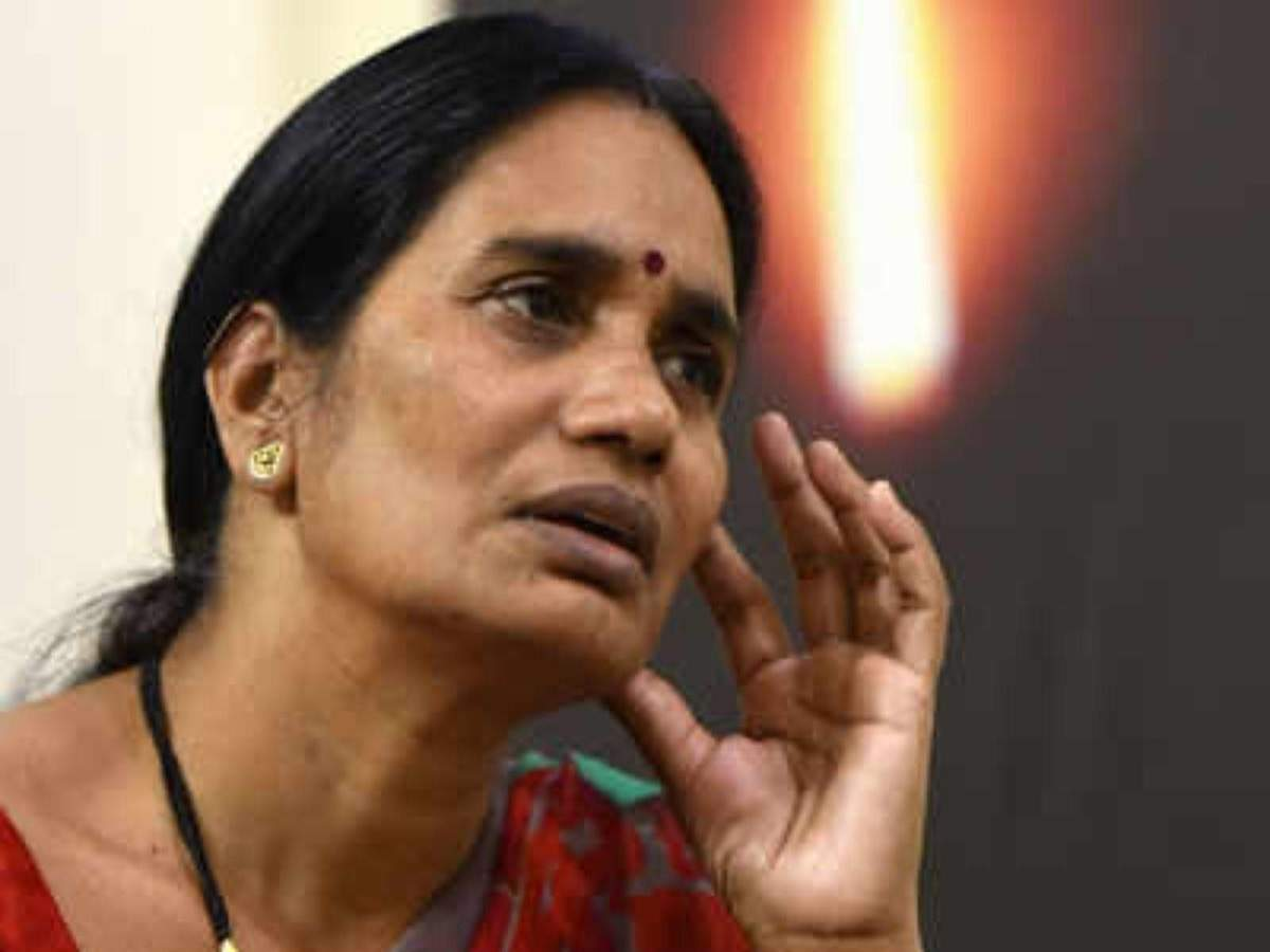Nirbhaya's mother accuses BJP, AAP of playing politics, alleges hanging of convicts is being 'deliberately' postponed