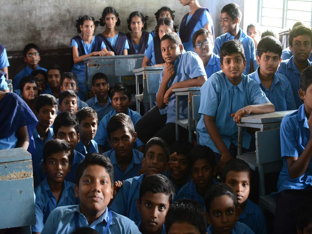 Maharashtra awards teachers for bringing back 80,000 dropouts to join schools
