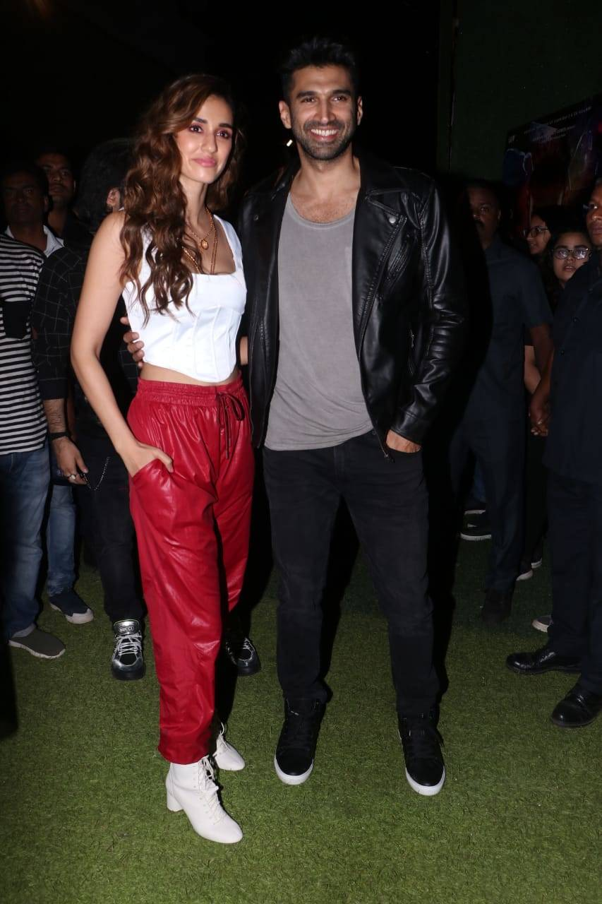 Aditya Roy Kapur And Disha Patani Are All Smiles As They Pose For Picture Together At Malang Promotions Hindi Movie News Times Of India