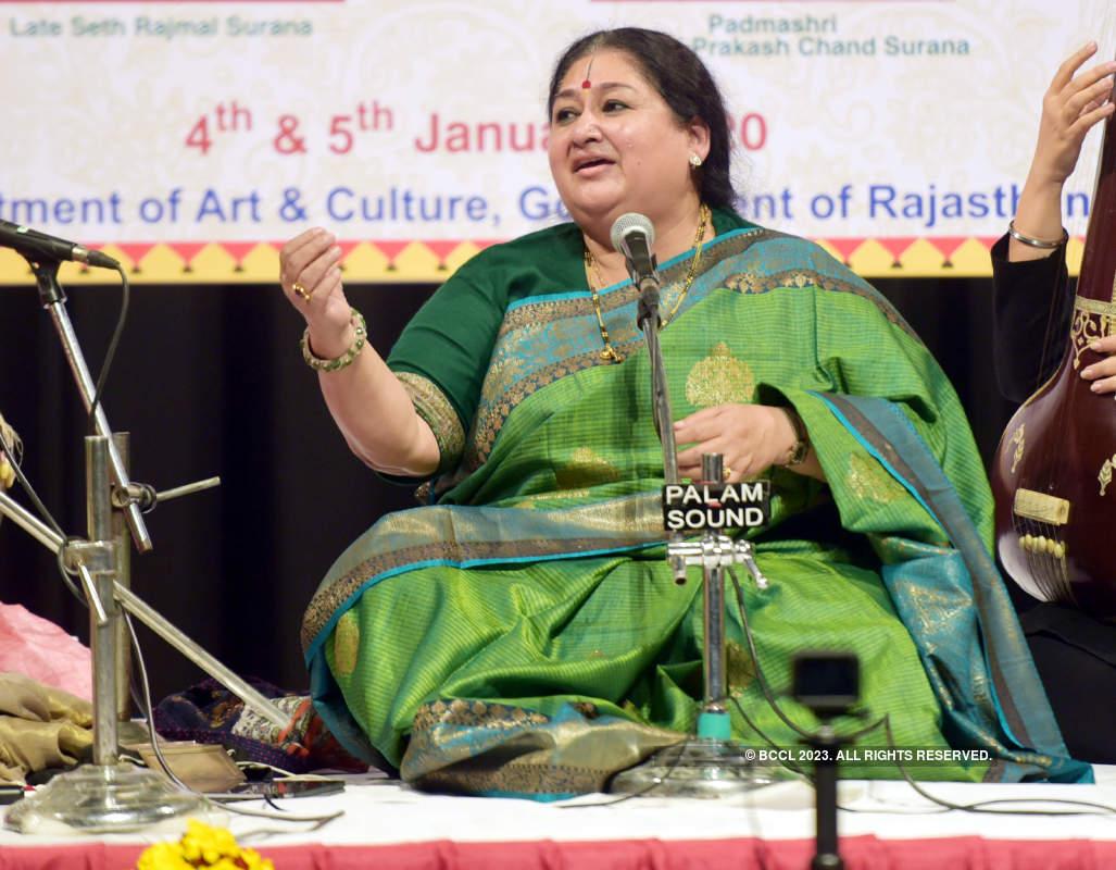 Musicians woos Jaipur's music connoisseurs