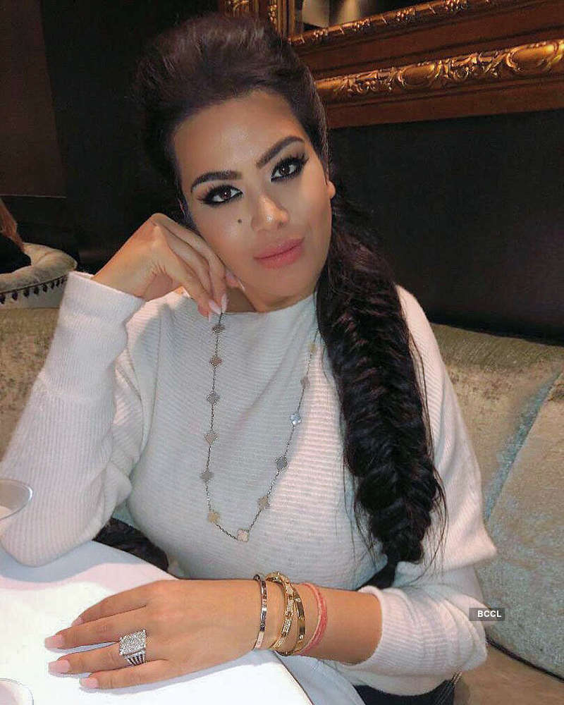 Maanayata Dutt is all hearts for step-daughter Trishala Dutt's gorgeous pictures