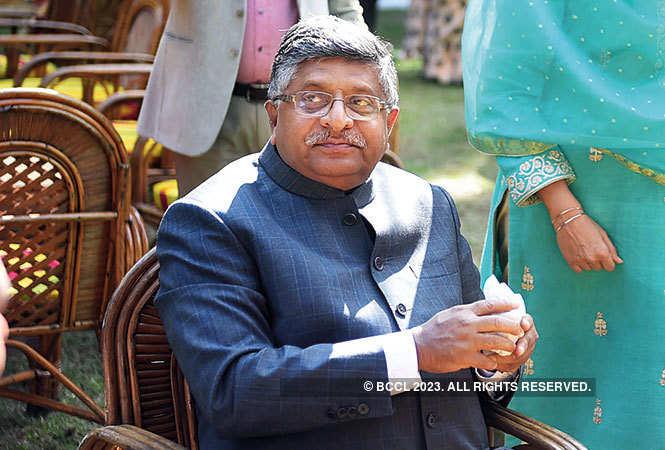 RAN_6318-Ravishankar-Prasad