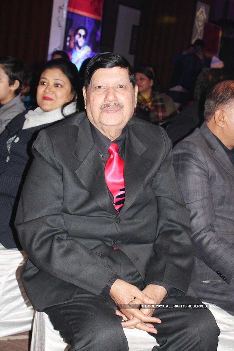 Banarasis enjoy at Disco Deewane themed party