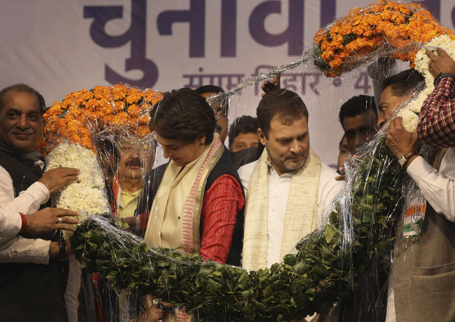 Rahul and Priyanka hold joint election rally in Delhi
