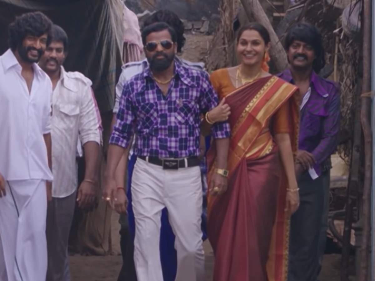 'Ennadi Maayavi Nee' from 'Vada Chennai'