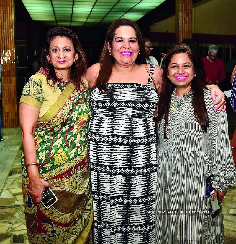 Pankaj Kapur narrates a story of women empowerment