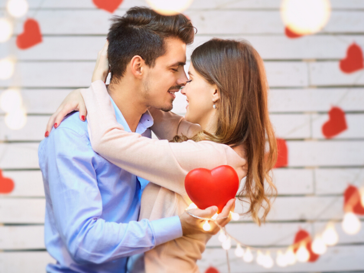 Happy Kiss Day 2020 Images Quotes Wishes Greetings Messages Cards Pictures Gifs And Wallpapers Times Of India