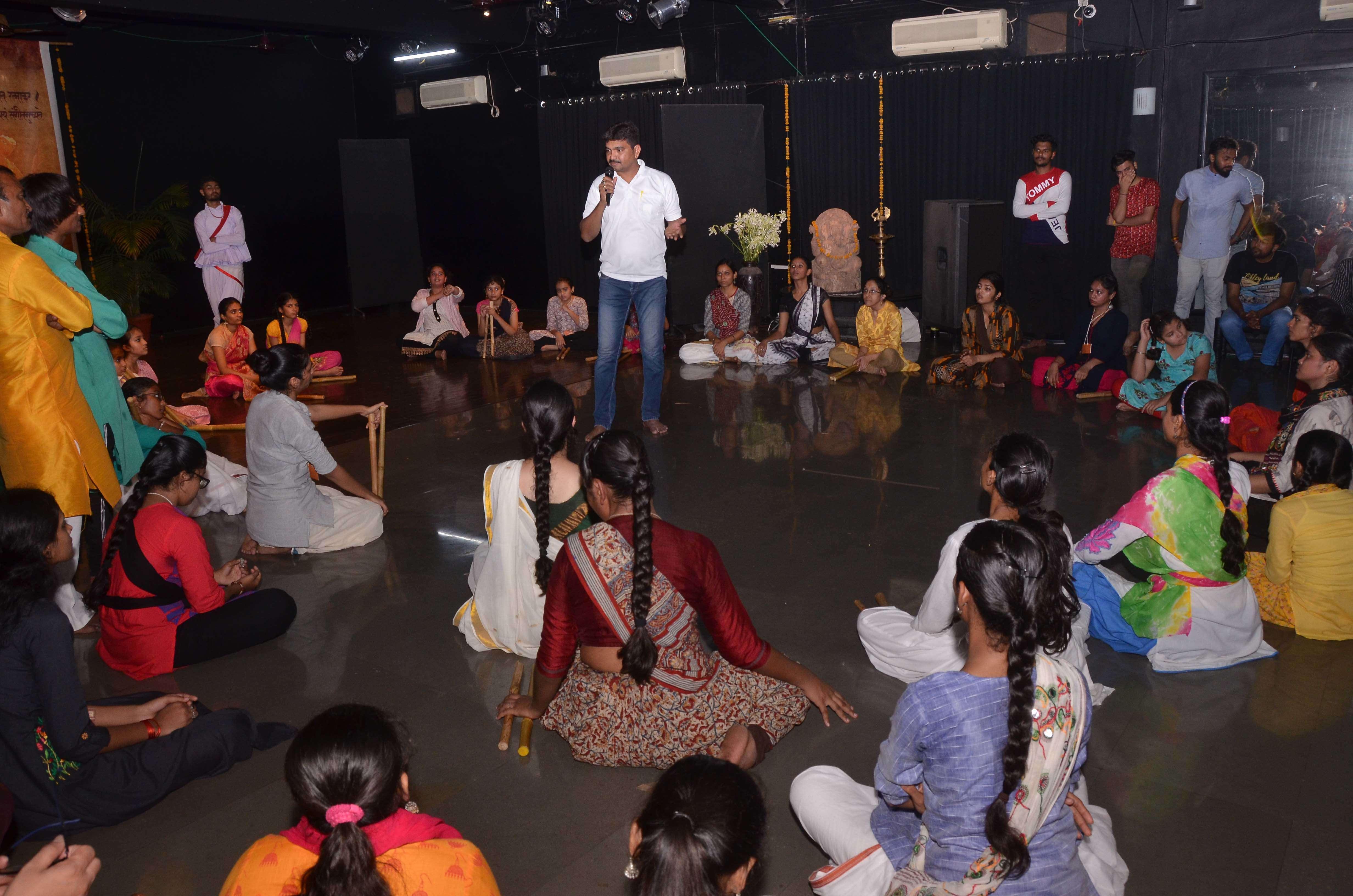 Lec Dem on Maniyaaro and shaurya Raas 3
