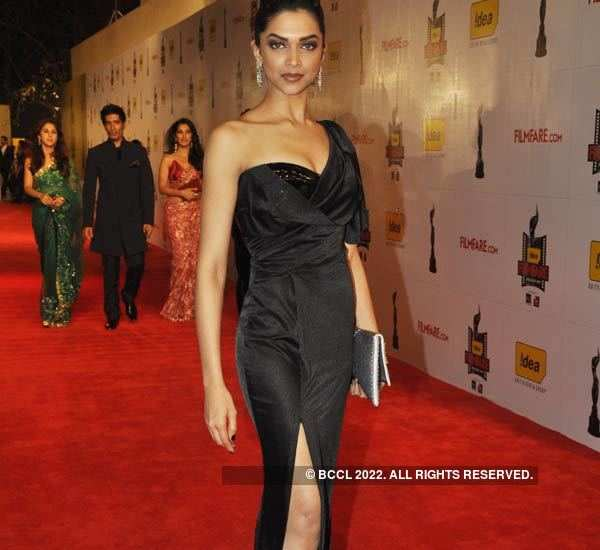 Stunning pictures of the evolving fashion trends from 2010 to 2020 at Filmfare Awards