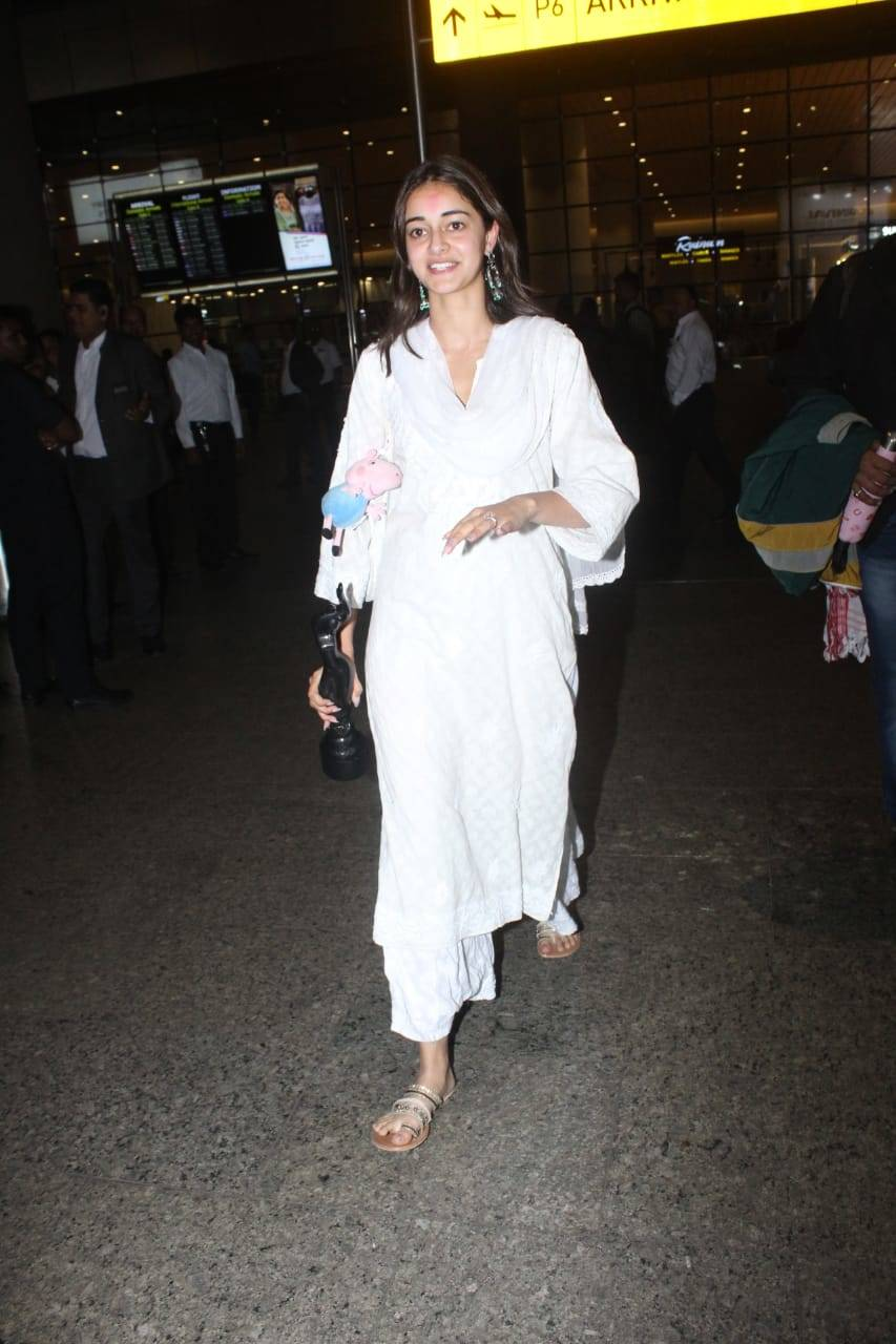Celebs airport (11).