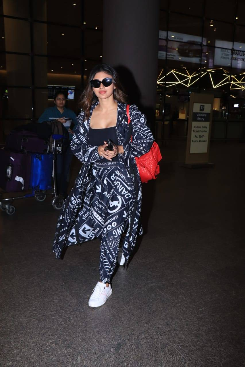 Celebs airport (1).