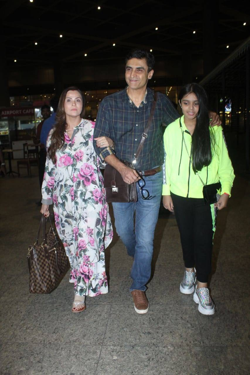Celebs airport (10).
