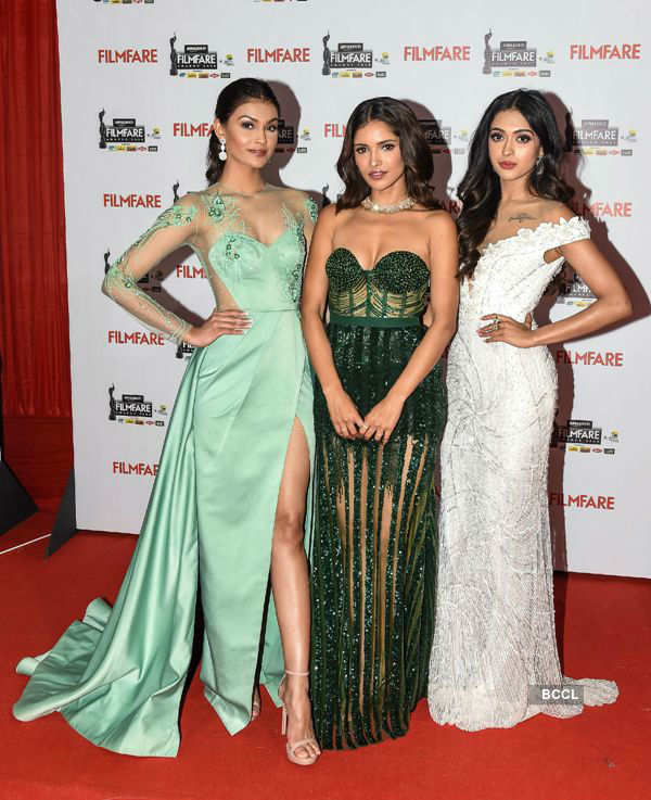 Stunning Beauty Queens at the Filmfare Awards 2020