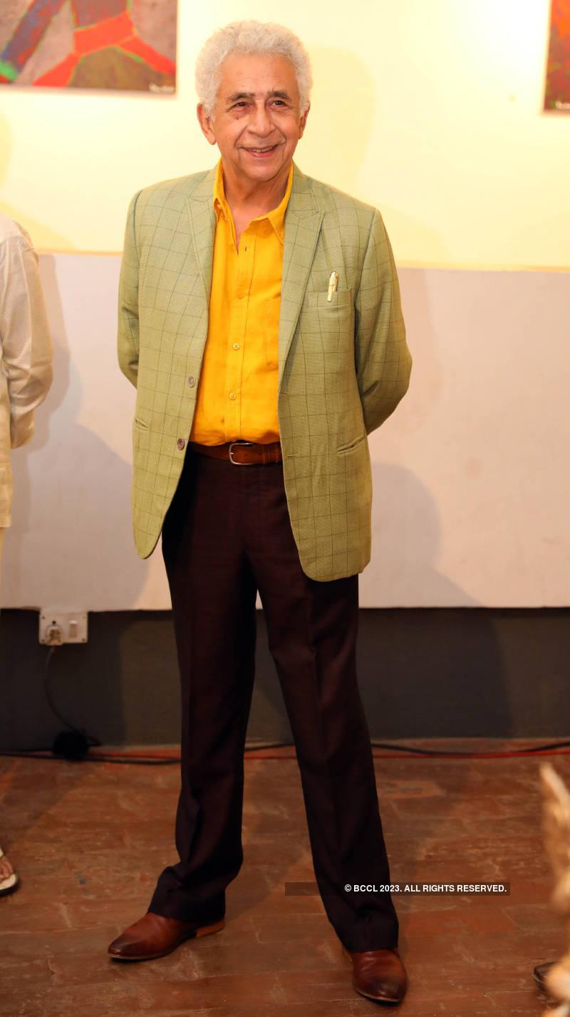 Naseeruddin Shah inaugurates an abstract art exhibition