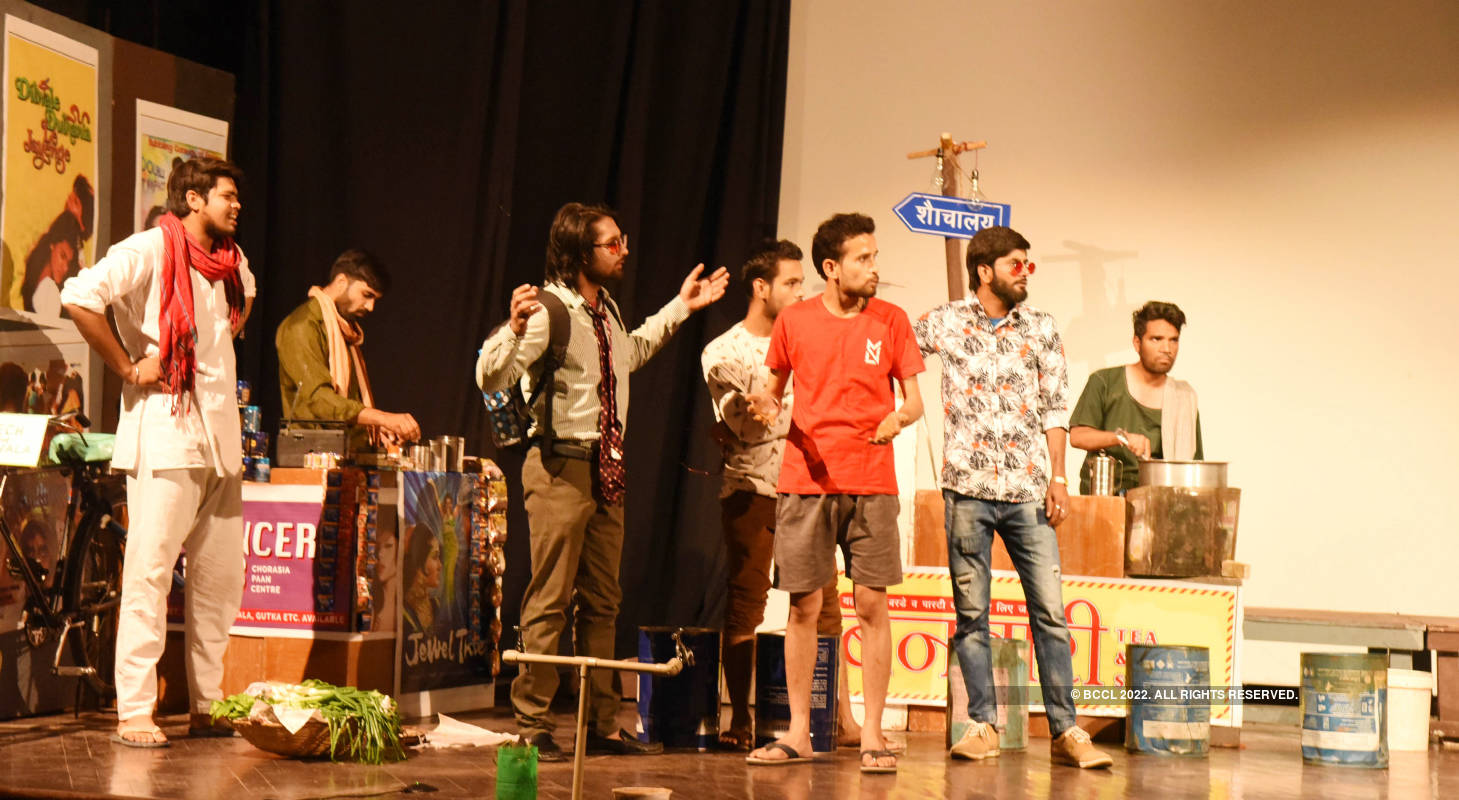 Artistes mesmerised the audience at the Theatre Festival