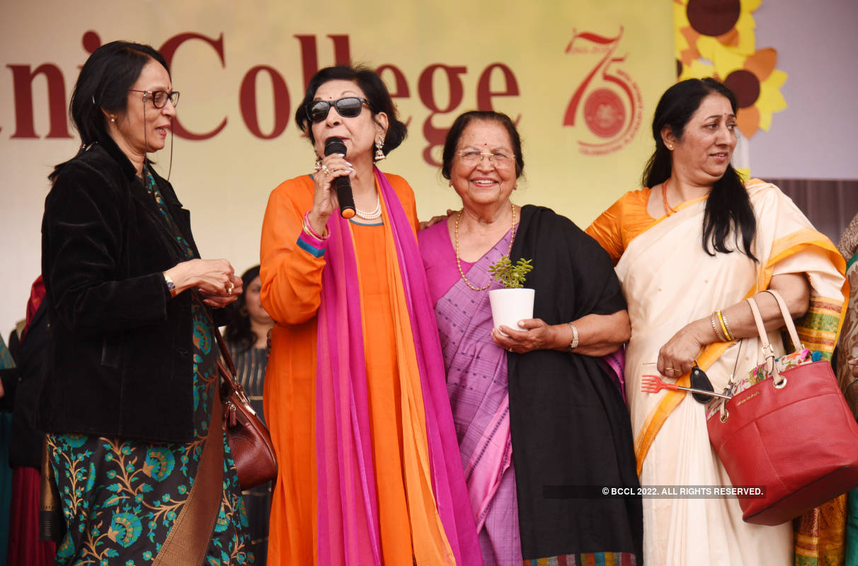 Alumni meet, farewell and fashion show at Maharani's fest Veethika 2020