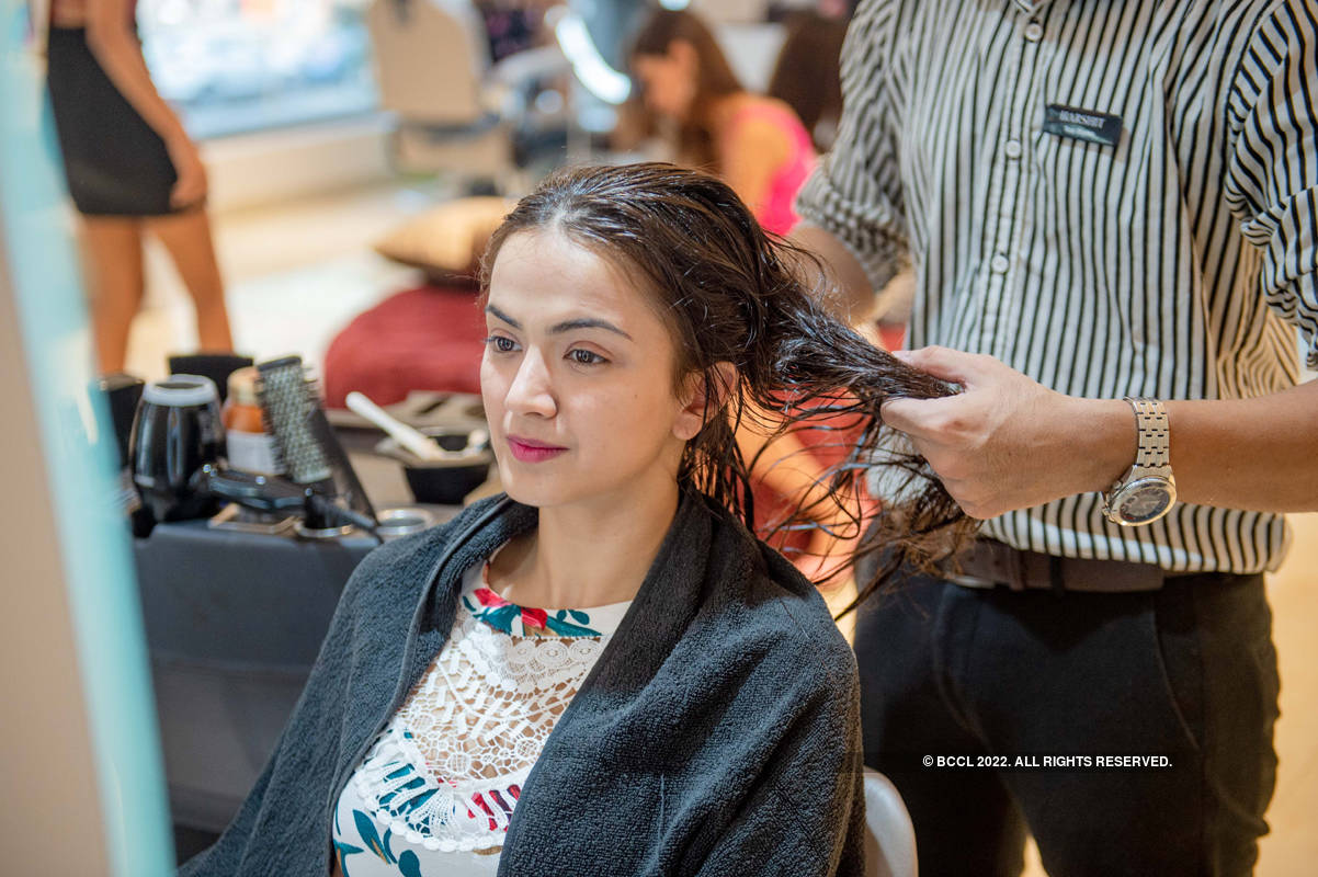 LIVA Miss Diva 2020 finalists visit Femina FLAUNT Studio Salon
