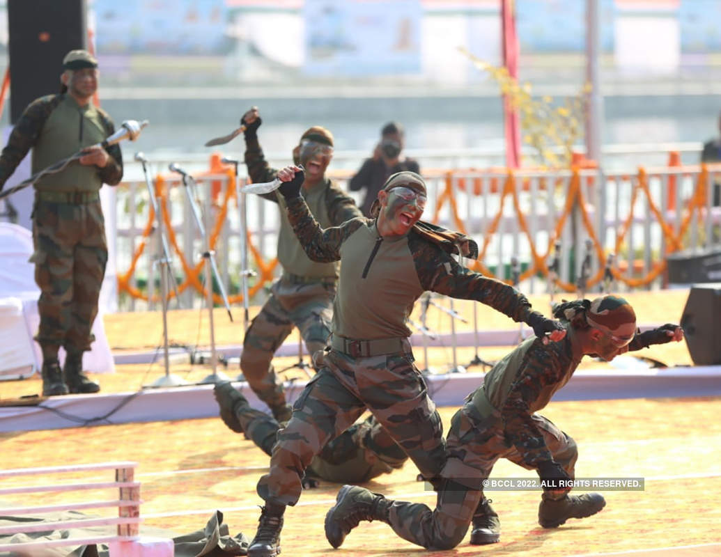 Defence Expo 2020: Jaw-dropping stunts and awe-inspiring moves