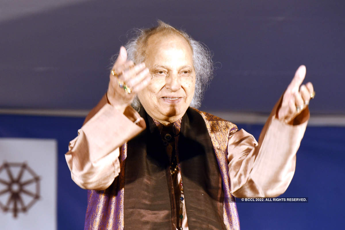 Pandit Jasraj enchants music lovers of Jaipur