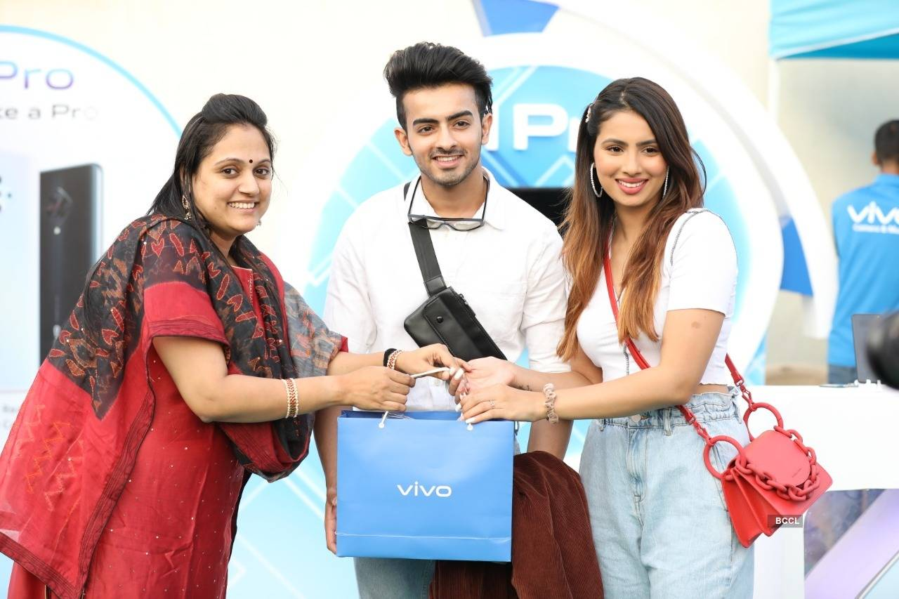 Aashna Hegde & Sanket Mehta attend Utsav 2020, see pictures