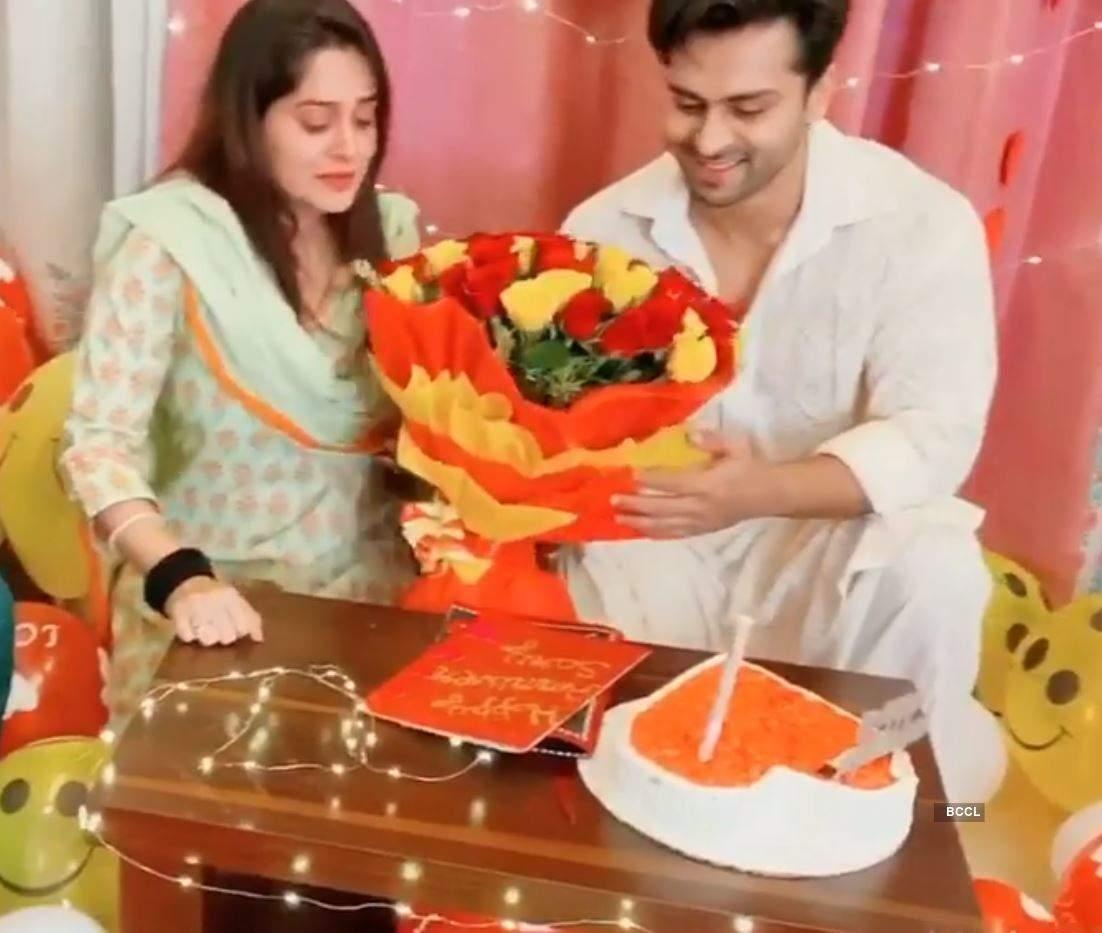 Inside photos: Dipika Kakar and Shoaib Ibrahim celebrate their second marriage anniversary