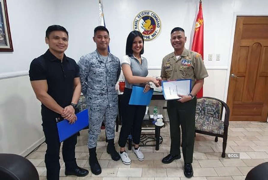 Teresita Ssen Winwyn Marquez signs up for military training