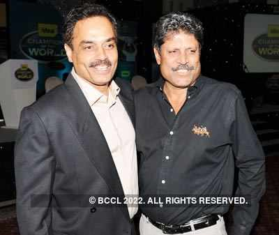 Former cricket captains in Mumbai