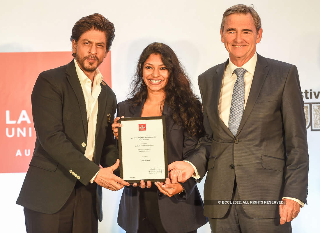 Shah Rukh Khan awards scholarship named after him to a female researcher
