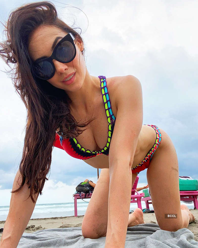 Lauren Gottlieb sets the temperature high with her gorgeous pictures