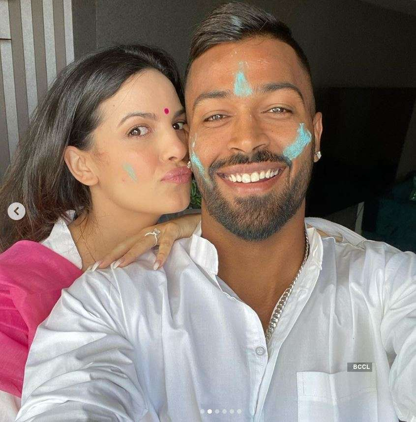 Viral pictures of Hardik Pandya & his fiancee Natasa Stankovic's Holi celebrations